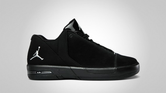 half off 2ca36 13853 As part of Jordan Brand s July 2011 catalog they are coming strong with the  on-court footwear. The Jordan BCT Mid and Jordan TE 3 Low are geared toward  ...