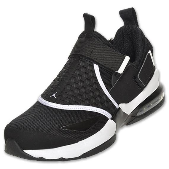Jordan Trunner LX 11: Black/White - Air