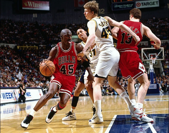 March 19th, 1995 - Michael Jordan Scores 19 Points in Comeback Game