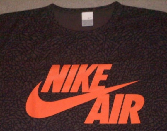 Vintage Gear: Nike Air Elephant Print T-Shirt