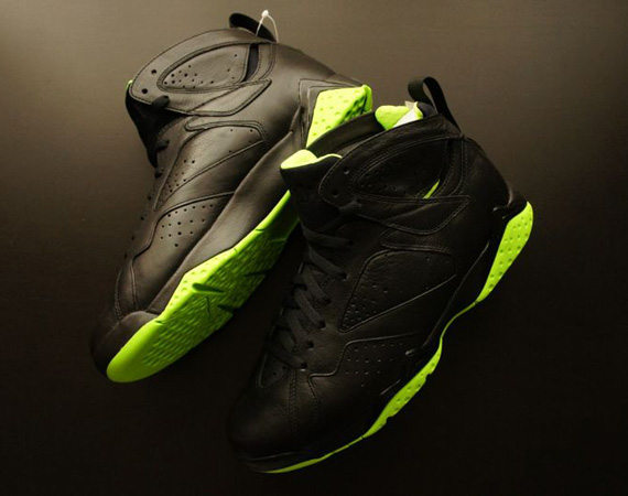 best service f6d81 0e341 Back in February the Air Jordan XX8 Days of Flight dropped, resulting on  every Jordan silhouette donningan all black upper with accents of lime  green.