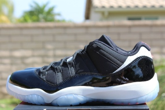 separation shoes 188c7 92abb Air Jordan 11 Low: