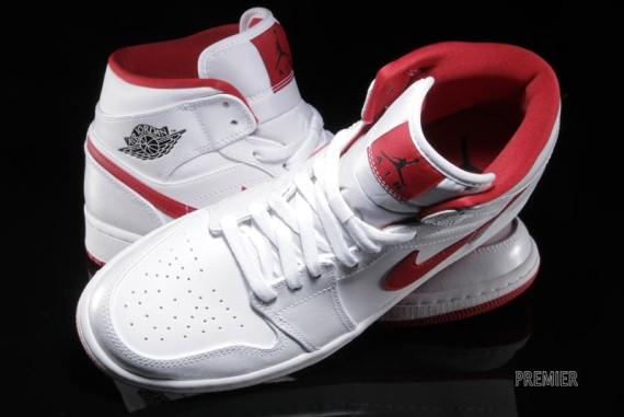 Air Jordan 1 Mid: White - Gym Red