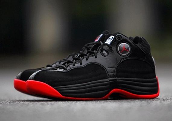 Jordan Jumpman Team 1: Black - Red