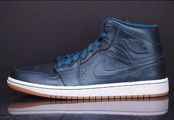 Air Jordan 1 Mid Nouveau: \