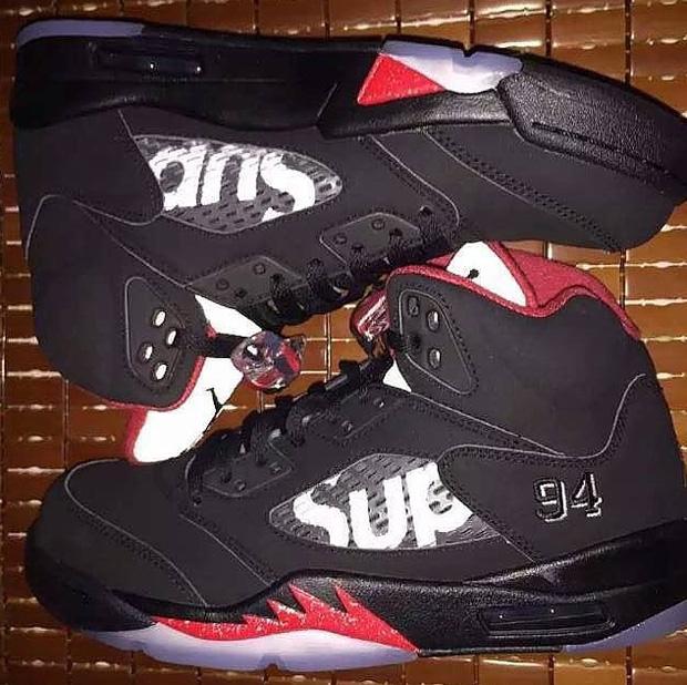 pretty nice 66d64 a050a Looks Like Supreme x Air Jordan 5