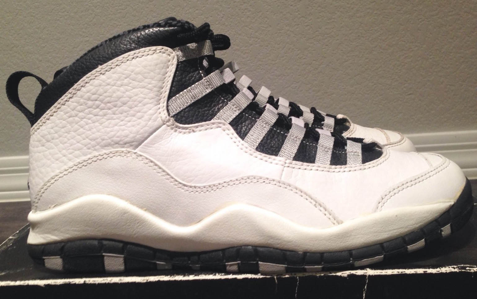 Close Look At The OG Air Jordan 10