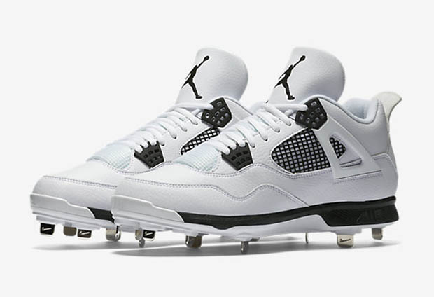 Air Jordan 4 Cleat Is Back For Baseball Season