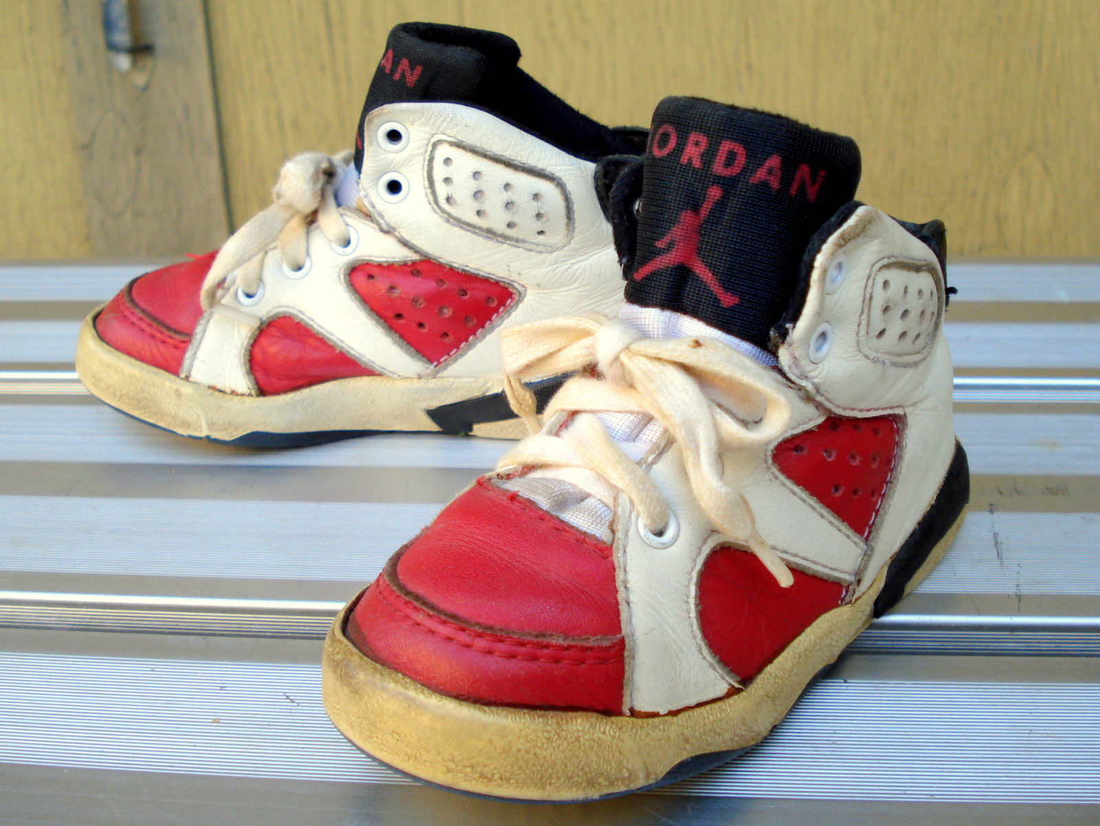 san francisco 5aab4 2c774 These Baby Air Jordan 6 Carmines Survived 25 Years - Air ...