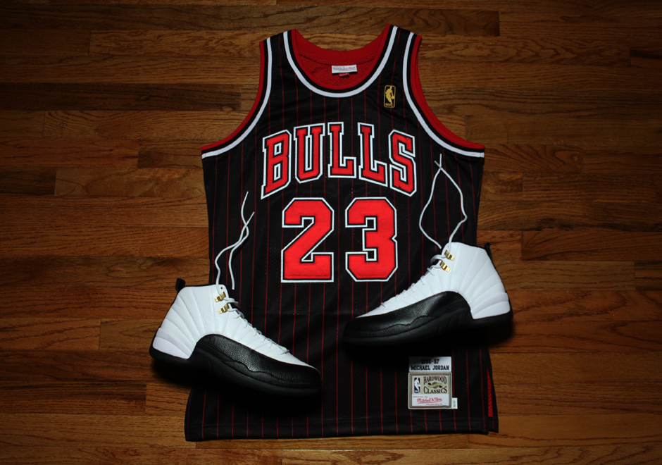 Detailed Look At Michael Jordan's 1996-97 Black Pinstripe Jersey By Mitchell & Ness