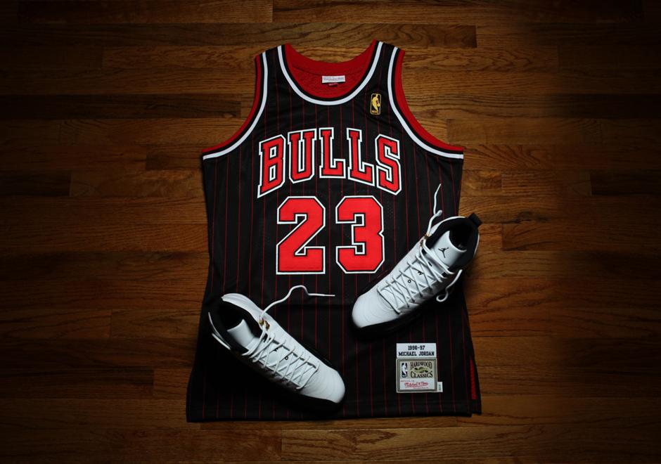 reputable site f57f9 24ae1 Detailed Look At Michael Jordan's 1996-97 Black Pinstripe ...