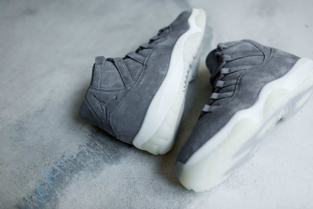 online retailer db587 0c43d Air Jordan 11 Pinnacle Releases Just In Time For Christmas ...