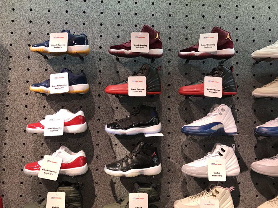 super popular f5ab9 ea0bb Foot Locker Times Square Is Opening With A Massive Air ...