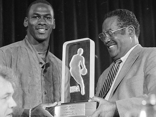 michael-jordan-1985-nba-rookie-of-the-year-1